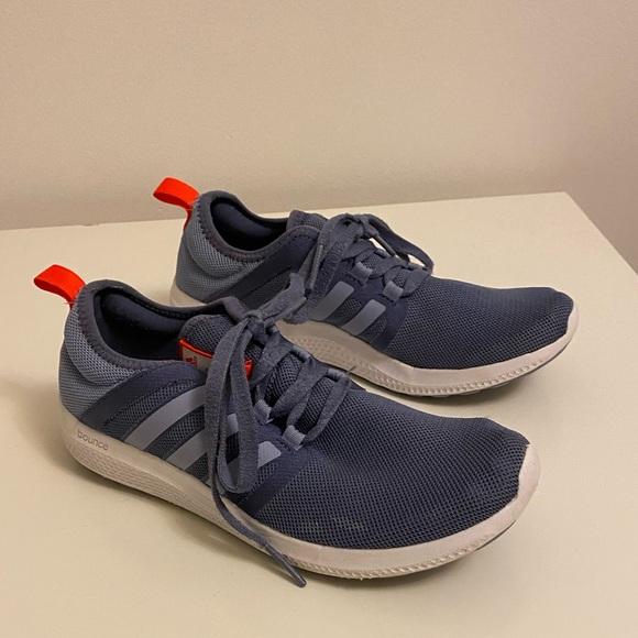 7.5 Adidas Runners